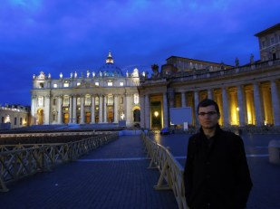 Bazylika Św. Piotra nocą Watykan