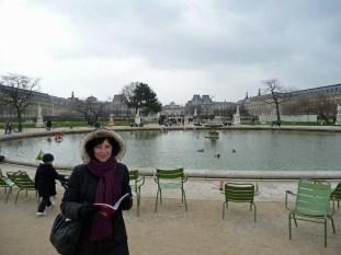 Ogrody Tuileries przed Luwrem Paryż