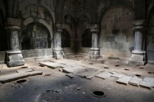 W środku Haghpat Armenia