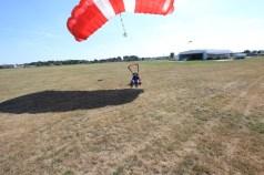 Lądowanie po skoku spadochronowym