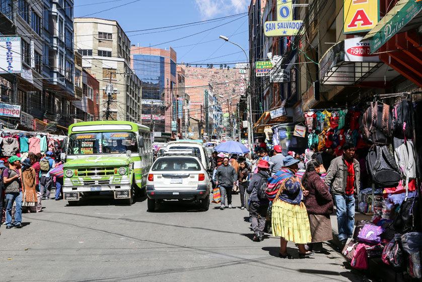 Uliczny targ w La Paz Boliwia