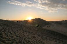 Zachód słońca pustynia Huacachina Peru