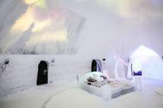Lodowy hotel z igloo w Wiosce Świętego Mikołaja Finlandia