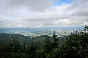 Panorama Kotliny i Jeziora Żywieckiego ze Skrzycznego
