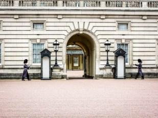 Zmiana warty przy Buckingham Palace Londyn