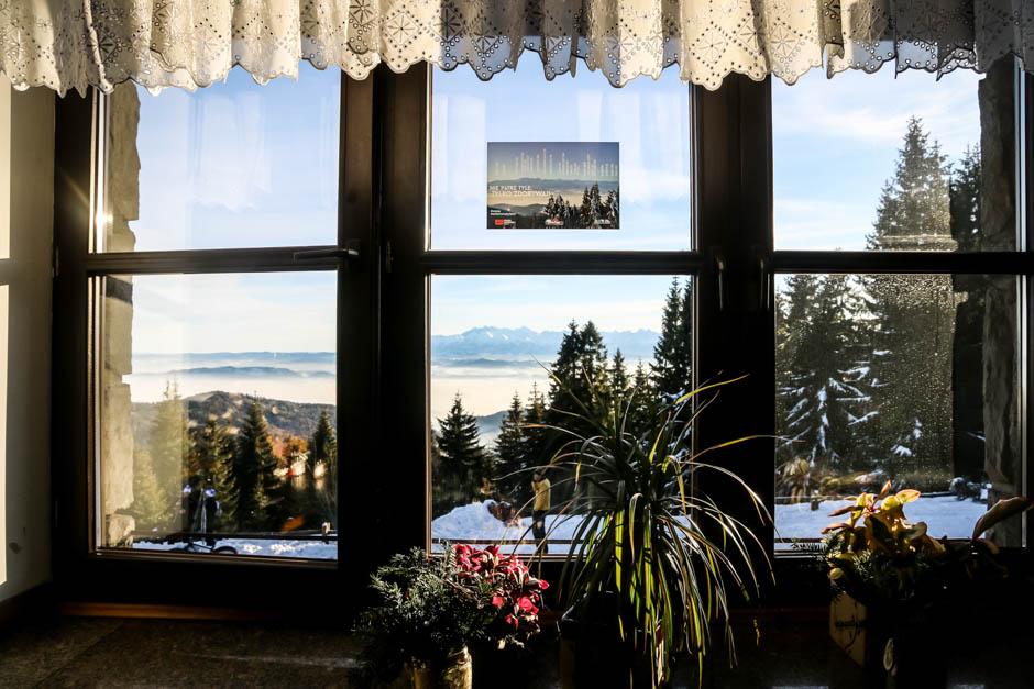 12 Panorama Tatr ze Schroniska PTTK na Turbaczu