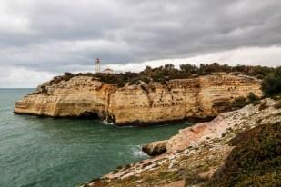 Portugalia Algarve okolice Benagil latarnia