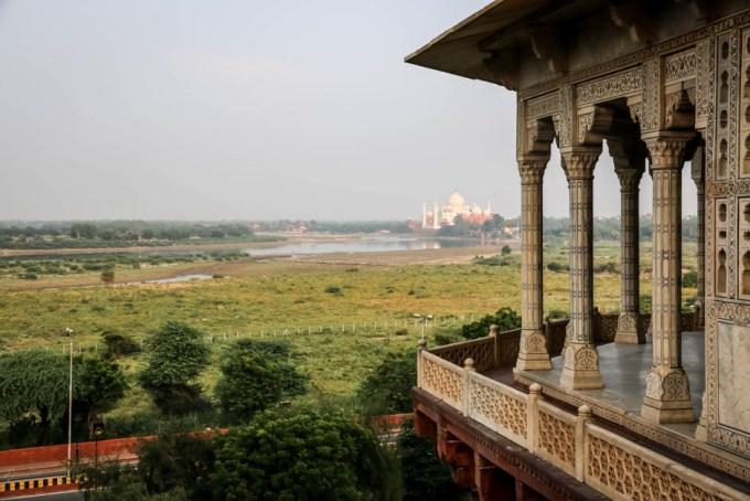 Indie Agra Fort widok na Taj Mahal