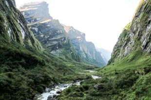 Nepal trekking do ABC dolina o wschodzie słońca