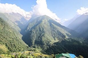 Nepal trekking do ABC panorama z Chhomrong