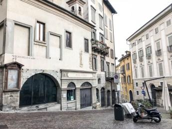 Piazza Mercato delle Scarpe Bergamo