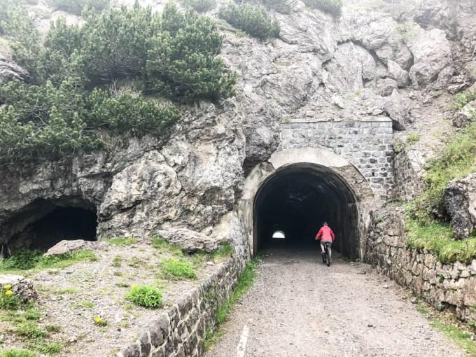 Tunele na trasie