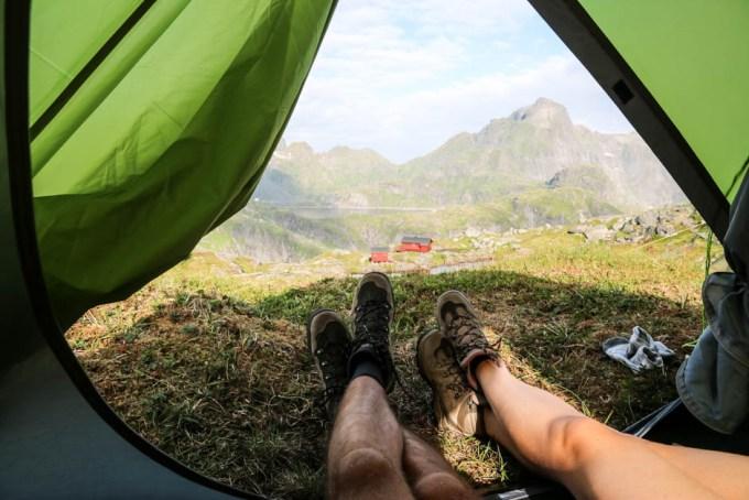 Poranek w namiocie przy Munkebu