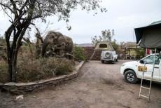 Słoń na kempingu w Palmwag 2