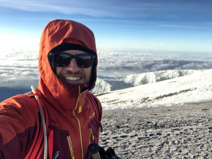 Trekking Kilimandzaro atak szczytowy lodowiec w tle
