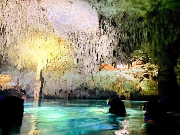 Tulum Cenote Dos Ojos snorkeling bat cave