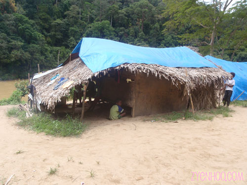 An example of a family's hut in the Orang Asli village
