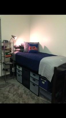 Efficient Dorm Room Organization Decor Ideas 31