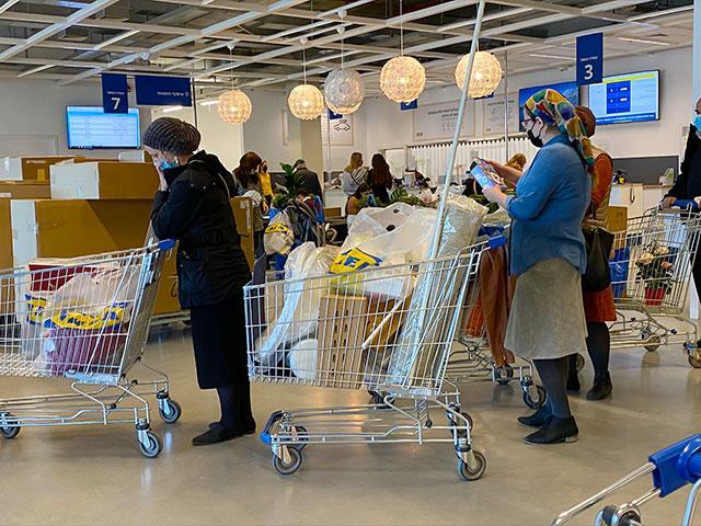 Israelis Shopping Before Third Lockdown in Israel