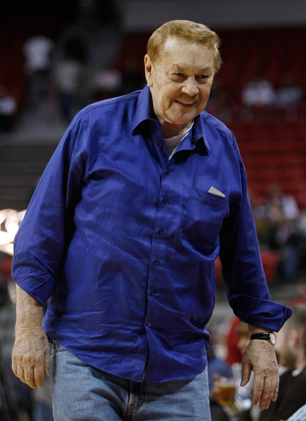 Los Angeles Lakers owner Jerry Buss appears before his team's preseason game against the Sacramento Kings at the Thomas & Mack Center October 12, 2008 in Las Vegas, Nevada. NOTE TO USER: User expressly acknowledges and agrees that, by downloading and/or using this Photograph, user is consenting to the terms and conditions of the Getty Images License Agreement.