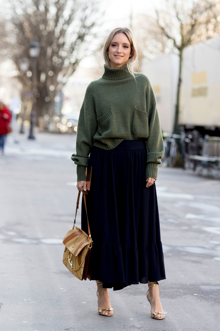 Chunky Sweater And Skirt 60 Outfit Ideas From Paris