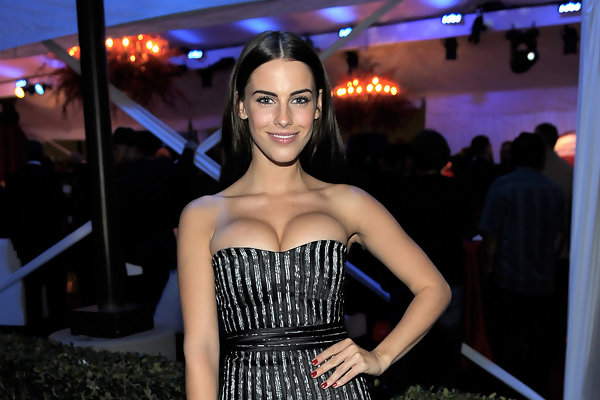 Jessica Lowndes Brings The Girls Out To Play News And