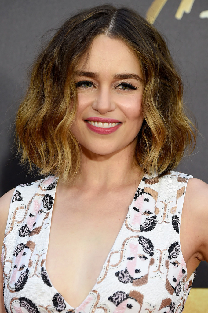 Emilia Clarke Short Wavy Cut Short Hairstyles Lookbook