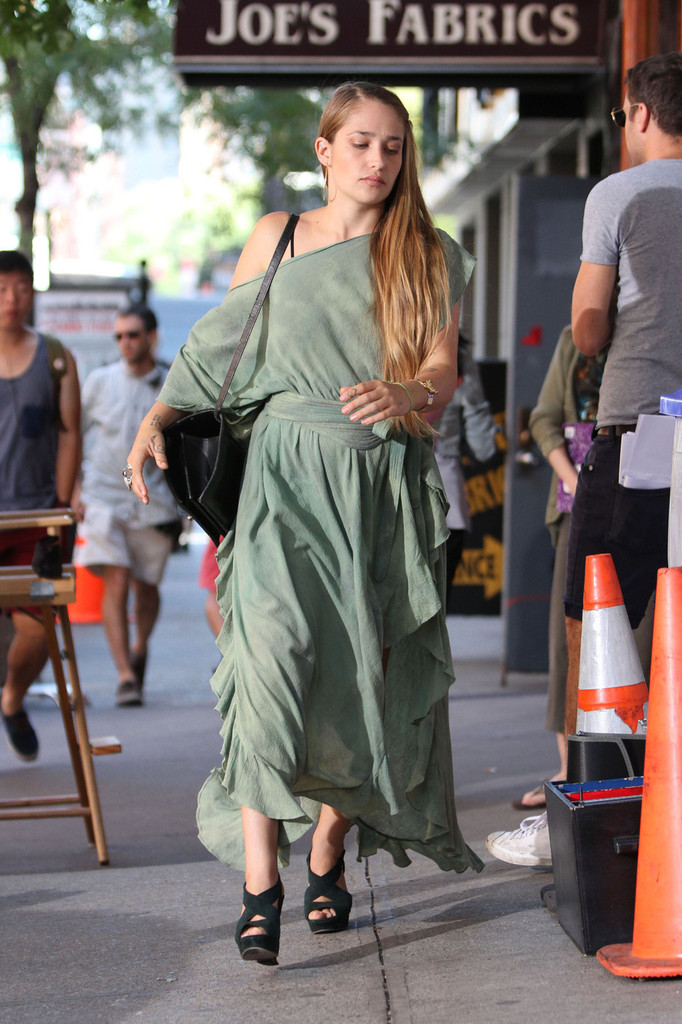 Jemima Kirke Off The Shoulder Dress Jemima Kirke Looks