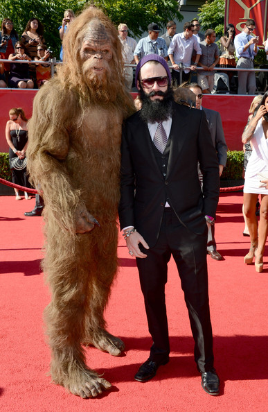 Brian Wilson (R-L) San Francisco Giants pitcher Brian Wilson and Sasquatch arrive at the 2012 ESPY Awards at Nokia Theatre L.A. Live on July 11, 2012 in Los Angeles, California.