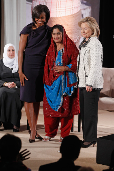 https://i1.wp.com/www1.pictures.zimbio.com/gi/Ghulam+Sughra+First+Lady+Hillary+Clinton+Hold+N7XbnJiEkJ9l.jpg