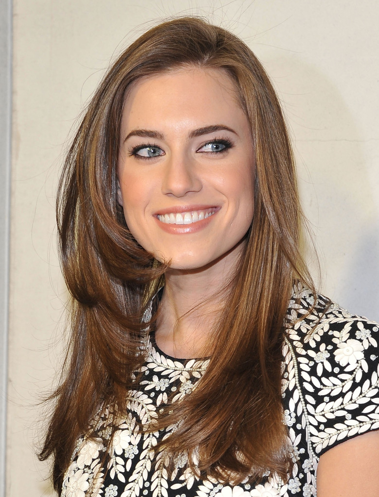 Allison Williams Photos Photos Tom Ford Cocktails In