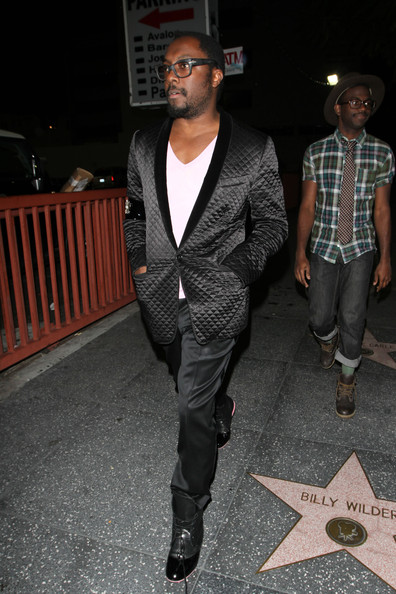I Gotta Feeling Will.i.am is in danger of tripping over his long shoe laces!! The Black Eyed Peas singer was looking very dapper in his black quilted smoking jacket as he made his way to LA's Bardot lounge.