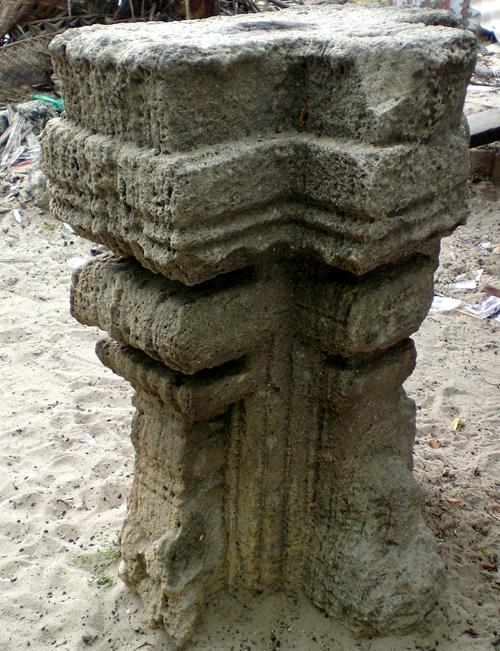 Remains of Kodandarama Temple,Dhanushkodi.jpg