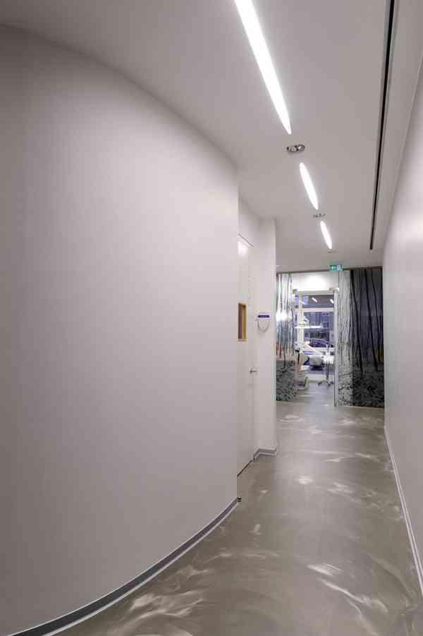 Corridor to X-Ray room
