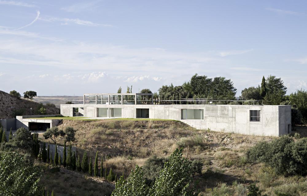 Aeccafe rufo house in toledo spain by alberto campo baeza - Estudio arquitectura toledo ...