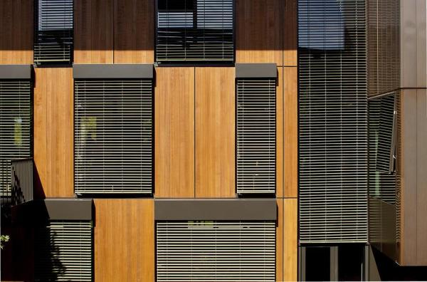 Dynamic exterior blinds keep unwanted sun out of southwest-facing interiors, Image Courtesy © Jeremy Bittermann
