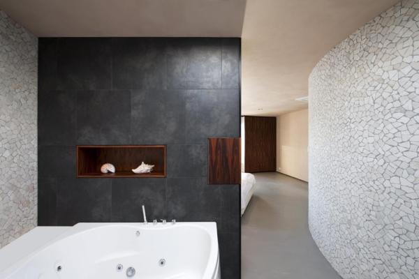 Ensuite bathroom with nautical feel and mosaic tiles., Image Courtesy ©  Christiaan de Bruijne