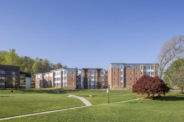 The Towers at Young Harris College is a residence hall for freshmen only. It limits the space in the living units and maximizes common spaces in order to encourage socialization and community building among students just entering college,Image Courtesy © Jonathan Hillyer