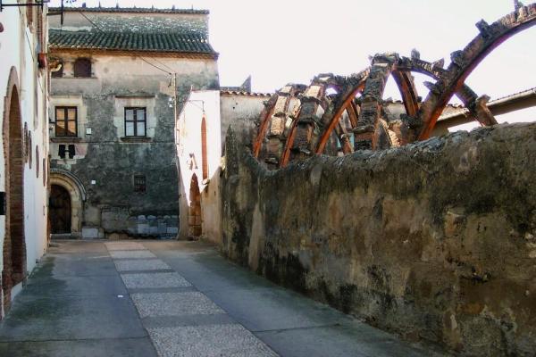 Restoration of Casa Bofarull(1913-1933, Josep Maria Jujol, in Els Pallaresos), Image Courtesy © Photo credit: Guillem Carabí