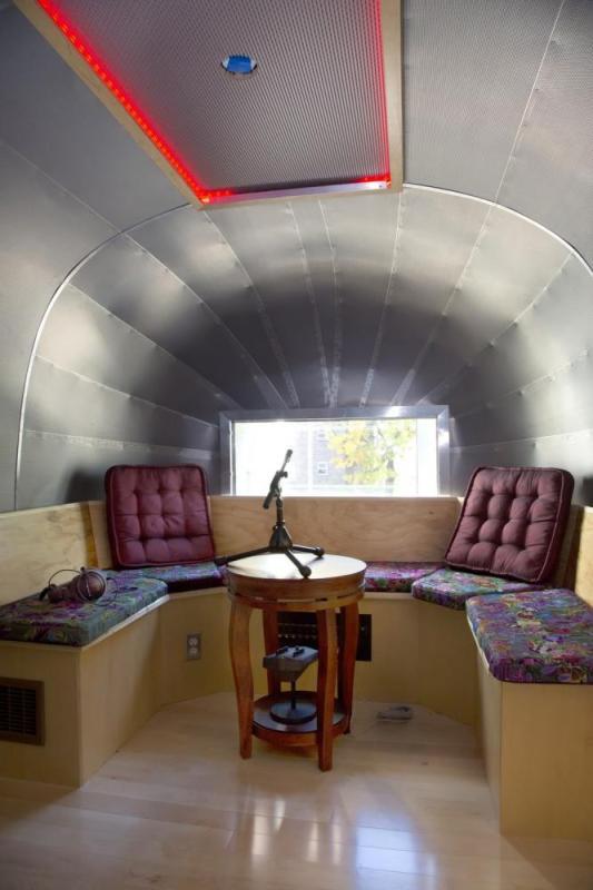 Image Courtesy © LESGC Live Recording Booth, Cheryl Fleming