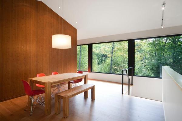 Image Courtesy © Blouin Tardif Architecture-Environnement