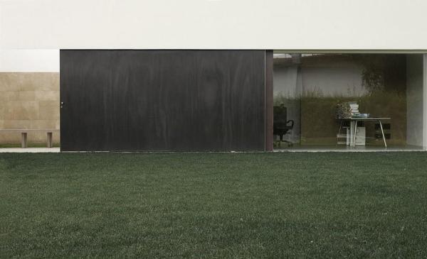 patio view, Image Courtesy © Federica Bottoli