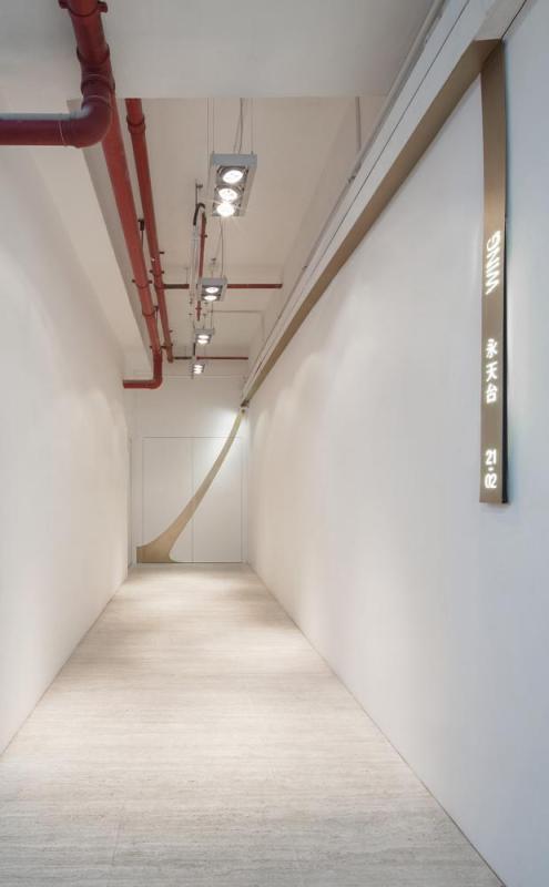Entrance Corridor, Image Courtesy © Dennis Lo Designs