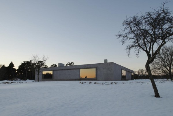 South elevation, facing the sea in evening light, Image Courtesy © Åke E: son Lindman