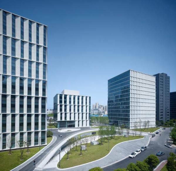 integrated landscape around building complex, Image Courtesy © Christian Gahl