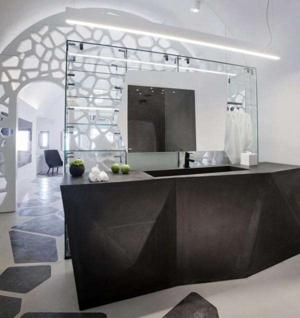 Interiorview of theVillabathroom, Image Courtesy © Serge Detalle
