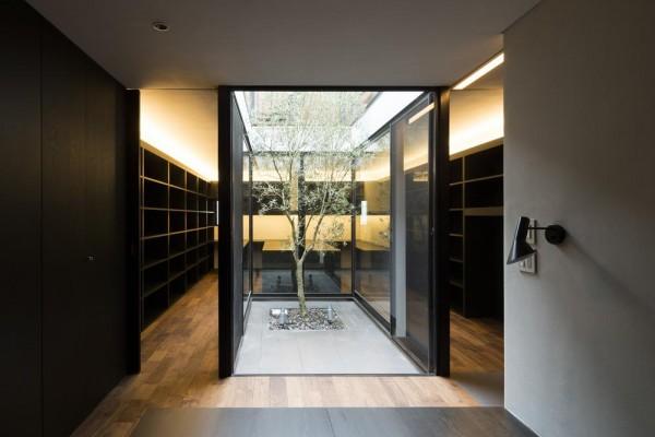 Image Courtesy © Satoshi Kurosaki/APOLLO Architects & Associates