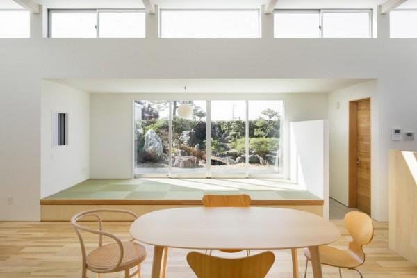 view tatami space from living room, Image Courtesy © Takumiota