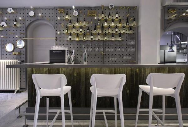 bar stand, Image Courtesy © Nicola Giammarrusti