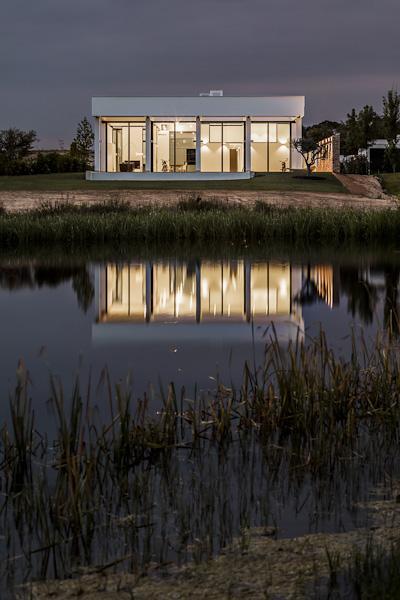 3patio house in girona spain by lagula arquitectes - Arquitectes girona ...